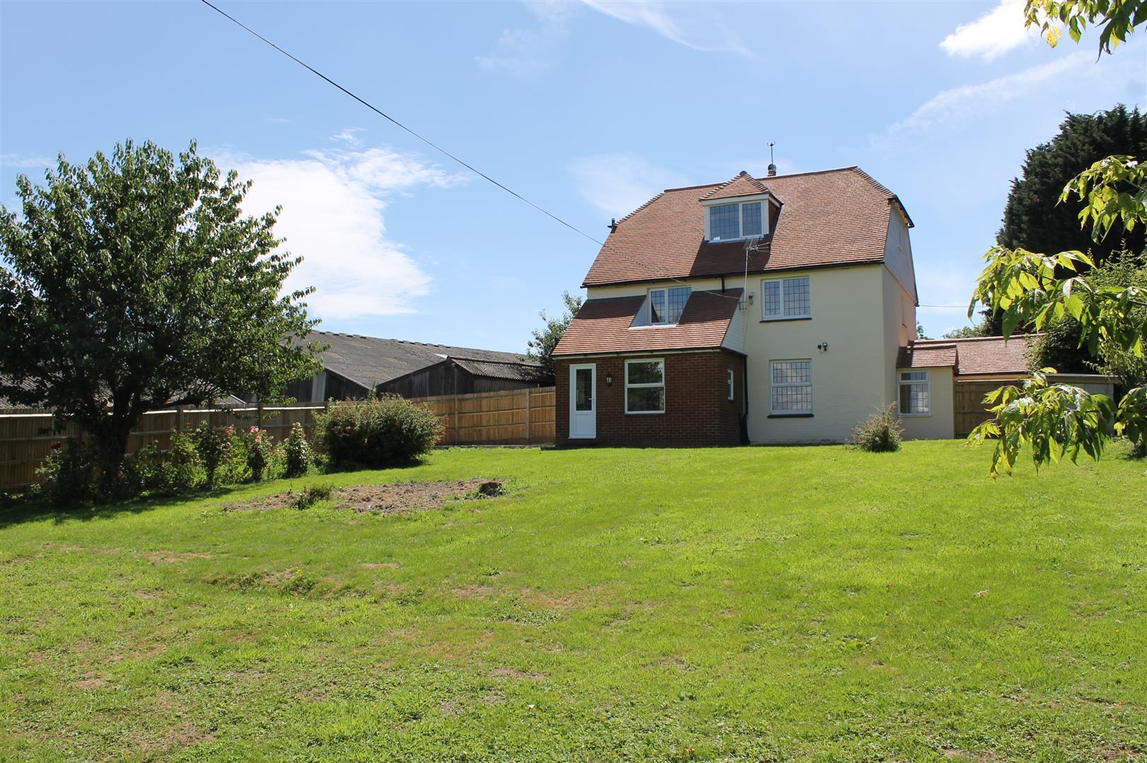 Gifford Farm Cottage 002.JPG